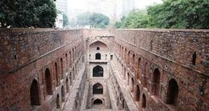Agrasen ki Baoli - A Historic Monument in Delhi's Heart