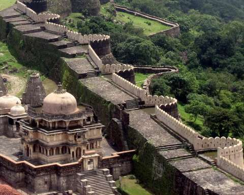 Discover 11 Most Amazing Wonders of India1