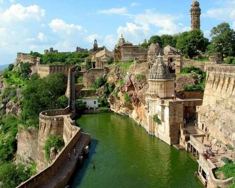 Discover 11 Most Amazing Wonders of India6