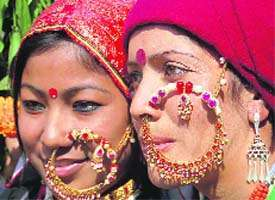 Indian Nose Rings - Adorning Nose with beautiful Jewels and Rings12