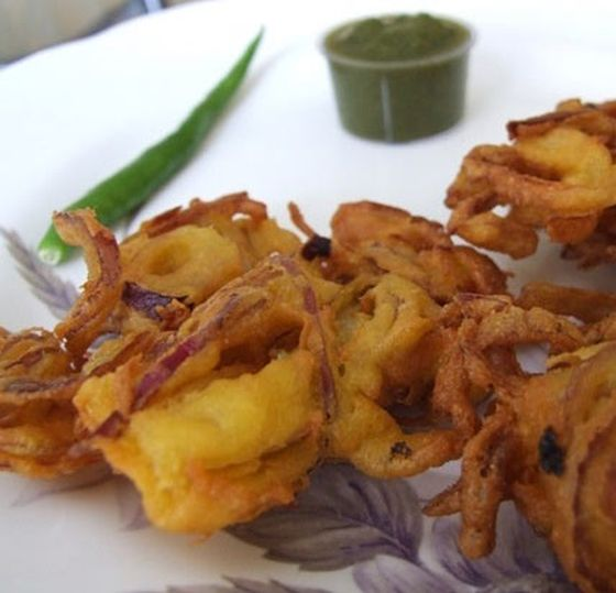 Indian finger food, onion bhajiye