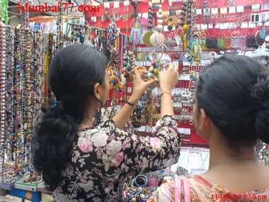 Mumbai Street shopping