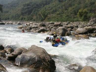 The 7 Most Exciting Himalayan White Water Rafting Destinations in India