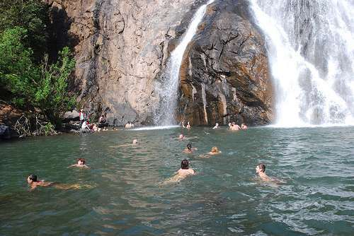 how to get to dudhsagar falls from goa