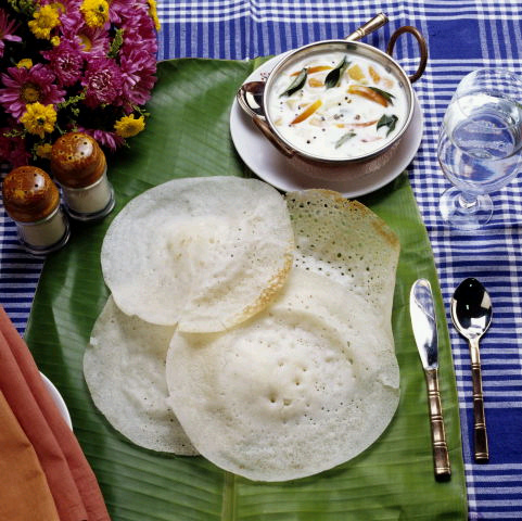 recipe_of_chicken-stew-and-appam.jpg