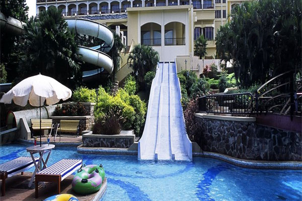 Fariyas Holiday Resort