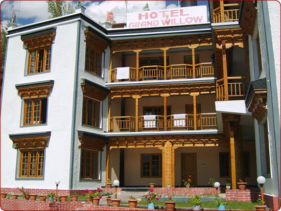 Hotel Grand Willow