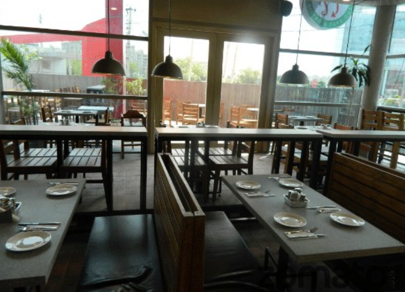 restaurant_flip-bistro_in_golf-course-road-gurgaon.png