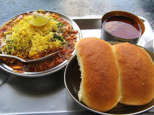 street_food_misal-pav_in_pune_3.jpg
