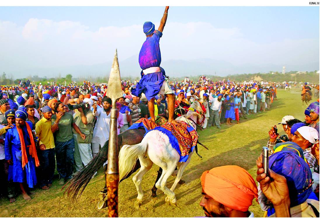 when_is_Hola-Mohalla_in_2016.jpeg